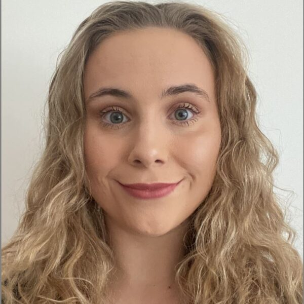 Head shot of Louisa Barry